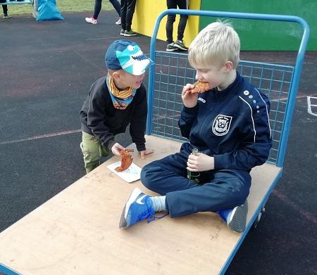 Die Puffer schmecken....©Sportvereinigung Erichshagen