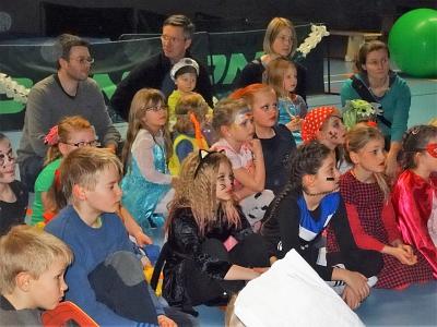Jugendwartin übergibt ihr Amt im Rahmen der Rosenmontagsfeier